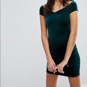 Emerald Green Velvet Sweatheart Dress
